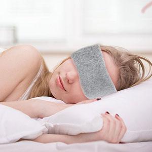 Maska na oči na spanie Well dimenzie na tvári 300x300